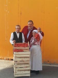 Chef Vissani e Pomodoro regina Torre Canne al Salone del Gusto