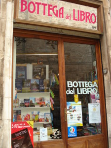 La storica Bottega del Libro a Ostuni Corso Mazzini